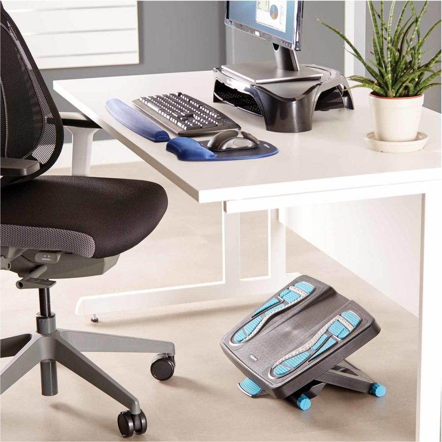 Ergonomia w biurze: podnóżki, podpórki pod plecy, podstawy pod monitor, podkładki pod mysz i nadgarstek, podkładki przed klawiaturę