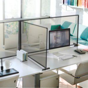 Osłona ochronna z pleksi na biurko antywirusowa